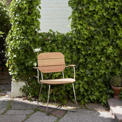 Lilium Armchair | The Room Living